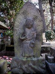 (chidorian) Tags: statue temple tokyo photowalk    photowalking  tekupachi  20160409