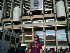 Real Madrid CF - FC Barcelona (UEFA Champions League Semi-finals 2010/2011) (stiviwonder) Tags: real madrid club futbol fcbarcelona barcelona fcb semifinal uefa champions league 2010 2011 10 11 27 abril april estadio santiago bernabu stadium messi esteban blanchart marina revert espaa spain paseo castellana football soccer fans