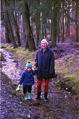 trying out the wellies (ercastrob) Tags: woods nikonfa oberursel eichwldchen agfavistaplus400