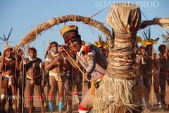 yawari matipu (guiraud_serge) Tags: brasil amazon tribes xingu ritual indians indios rites brésil amazonia amazonie indiens fêtes tribus javari amazonpeople cérémonies parcduxingu sergeguiraud jabiruprod yaweri