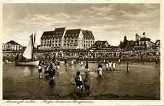 1064 - PC Noordwijk ZH (Steenvoorde Leen - 2.1 ml views) Tags: history strand boulevard postcards noordwijk kust ansichtkaart noordwijkaanzee badplaats oldcards oudnoordwijk