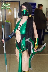 IMG_8410 (Neil Keogh Photography) Tags: black green female silver gold grey chains mask boots cosplay staff gloves jade bikini videogame cape cosplayer weapons mortalkombat throwingstar armguards manchesteranimegamingcon2016