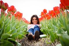 Primavera na Holanda (Aperture Laboratory) Tags: woman primavera spring model tulips fields bulbs holanda lente bollen tulpen brasileira