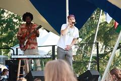 IMG_1256 (sdttds) Tags: students hippies livemusic free quad wef ucdavis wholeearthfestival musicandartfestival