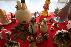 IMG_3651 (camaradecoimbra) Tags: portugal natal navidades merrychristmas christmastime painatal sagradafamlia rainhasanta acadmica joyeuxnoel meninojesus queimadasfitas briosa bolasdenatal mercadodpedrov prespiosartesanais artesosdecoimbra burningribbons
