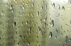 Foco (alémdoquesevê_) Tags: city cidade brazil sky urban art window water glass rain vidro brasil canon reflex drops amazing interesting agua focus day br sãopaulo chuva dia céu explore gotas sp cannon janela urbano reflexo tempo zona sul picnik interessante clima foco allg incrivel explorar duetos sx50 alémdoquesevê canonsx50