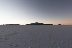 Salar d'Uyuni jour et nuit 14 (__Alex___) Tags: travel sky sun white color nature rock canon landscape volcano desert wide bolivia 5d sel paysage salar sal discover uyuni bolivie mkiii 1635mm tunupa 1635f4is