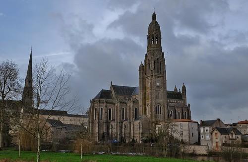 Saint Laurent sur Sevre, basilique Sainte Marie