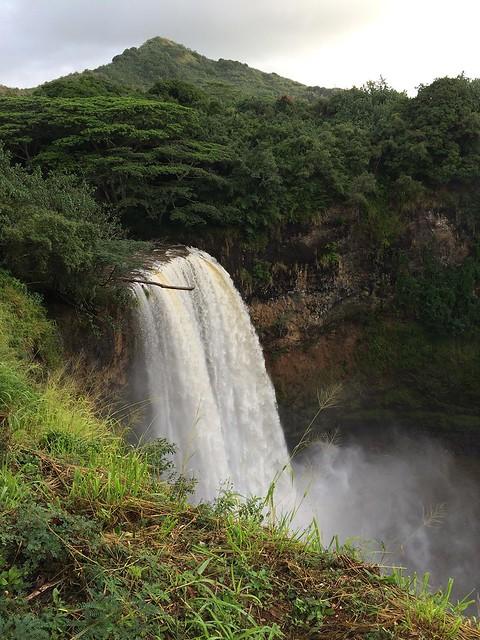 Wailua Falls at full volumn