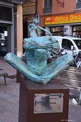 by Biljana Petrovic (Paolo Bonassin) Tags: italy art statue bologna sculptures emiliaromagna artisticexpression bolognaviaivnovembre