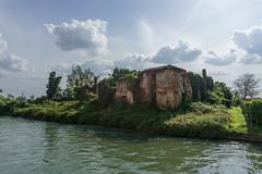 DSC02136 (nico_silve) Tags: house river casa bricks canale naviglio rudere mattoni abbiategrasso