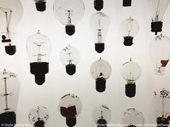 Light (Doyle Wesley Walls) Tags: light photography foto fotografie photographie lightbulbs 1958 fotografia fotografi fotografía фотография lagniappe smartphonephoto iphonephoto doylewesleywalls