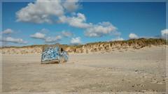 Bunker de la Pointe de la Torche (Solne O) Tags: france de la tag dune bretagne breizh peinture bunker pointe plage insolite quimper finistre curiosit torche pointedelatorche