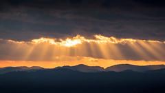 Halleluja Licht (pk210) Tags: wolken sonnenaufgang aussichtsplattform