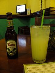 """Léon: une bonne bière Toña et une limonada <a style=""""margin-left:10px; font-size:0.8em;"""" href=""""http://www.flickr.com/photos/127723101@N04/26533062412/"""" target=""""_blank"""">@flickr</a>"""