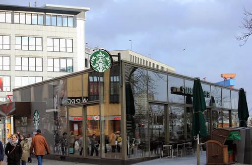 "In der Holstenstraße (07) • <a style=""font-size:0.8em;"" href=""http://www.flickr.com/photos/69570948@N04/24044796633/"" target=""_blank"">View on Flickr</a>"