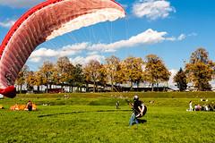 IMG_4035 (rjenniches) Tags: cologne kln paragliding paraglider rhine rhein gleitschirm pollerwiesen gleitschirmfliegen
