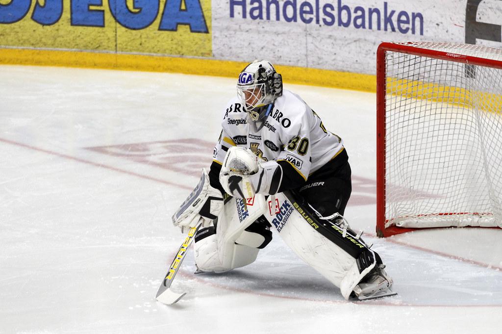 Viktor Fasth 2012-01-05 (Michael Erhardsson) Tags  sport goalie arena 379f9e80b51fc
