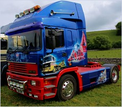 erf . built in britain (Duncan the road rebel) Tags: blue red classic truck vintage artwork transport lorry vehicle erf beacon spotlights vintagevehicle haulage airbrushed airhorn hgv lgv roadtransport graffix heavygoodsvehicle classicvehicle roadhaulage largegoodsvehicle builtinbritain