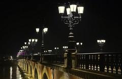 Les lucioles bordelaises (Thierry.Vaye) Tags: bordeaux pontdepierre lagaronne lanuit éclairage lampadaires publique