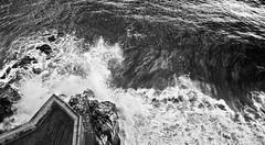 La frontera entre atmosferes (bernat.rv) Tags: sea white black blanco mar seaside rocks mediterranean mediterraneo y negro wave strong sant rocas ola pol violent espuma fuerza salpicar salpicando