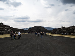 "Teotihuacan: la Pyramide de la Lune <a style=""margin-left:10px; font-size:0.8em;"" href=""http://www.flickr.com/photos/127723101@N04/25000477294/"" target=""_blank"">@flickr</a>"