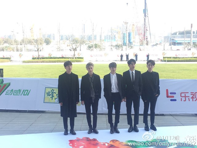 160328 ‎SHINee @ '23rd East Billboard Music Awards' 25523161763_db3f1a7795_z