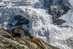 Le refuge du Grand Mountet (mgirard011) Tags: europe levalais lieux randonnées suisse valdanniviers refugedugrandmountetch praborgne valais ch 300faves