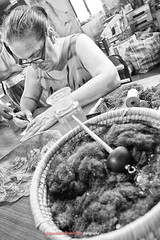 Chiara Vigo, Maestro di Bisso. (Pachibro Portfolio) Tags: sardegna canon eos silk canvas frame 7d chassis cloth seta weave cagliari santantioco tela tessere telaio inweave bisso canoneos7d chiaravigo scattifotografici pasqualinobrodella pachibroportfolio pachibro setamarina