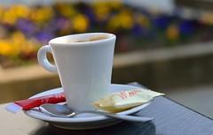 Pause caf (fredfuncky) Tags: cup tasse caf colors bokeh couleurs spoon coffe coffeebreak cuillre cupofcoffee pausecaf tassedecaf