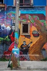 Valparaso (silkylemur) Tags: chile street southamerica canon lens zoom streetphotography fullframe valparaso canoneos ef canoneflens canonlens canonef2880mmf3556ii regindevalparaso  efmount canonef2880mm basiclens strasenfotografie canoneos6d
