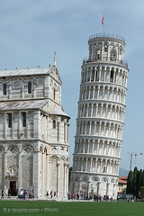 Pisa (I) (jr-teams.com - Photo) Tags: world italien italy tower heritage monument del nikon san italia torre outdoor dom unesco pisa tuscany historical piazza duomo nikkor toscana battistero leaning leaningtower afs giovanni baptistery weltkulturerbe toskana pendente domplatz schieferturm 24120 d700 baptisterum taufhaus 424120vrii