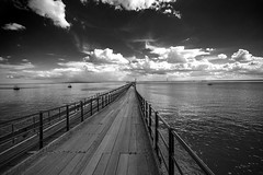 Southend Pier (Gordon Haws) Tags: pier estuary cumulus riverthames essex mudflats southend englishchannel isleofgrain tidalestuary thamesestuary launchramp southendpier isleofgrainpowerstation isleofgrainpowerstationchimney
