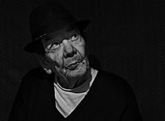 Pensamientos (nicolas_18mm) Tags: portrait texture nikon retrato soledad edad experiencia nikoncolombia