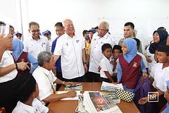 Walkabout resivit ke sekolah kebangsaan sungai Ladong,Batang Sadong,Sarawak.17/4/16. (Najib Razak) Tags: batangsadong walkabout sarawak sekolah kebangsaan sungai ladong
