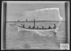 Sextant; Sextantin hyrykaatteri miehistineen (KansallisarkistoKA) Tags: sextant merenmittausalus hyrykaatteri