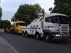 Scania R480 Recovering Low Loader (Burrows Recovery) Tags: truck low vehicle loader heavy recovery scania burrows r480 fj59bbx