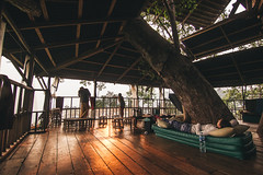 (Richard Strozynski) Tags: sunset people house tree architecture canon thailand asia south east tokina experience laos gibbon bokeo 550d 1116mm