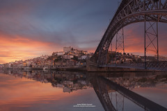 OPORTO (Javier Girbs) Tags: sunshine sunrise reflections river boats dawn lights dusk porto douro oporto puenteluisi canon6d roduero triopo javiergirbs canon1640f4lusm