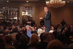 Jeb Bush with attendees (Gage Skidmore) Tags: new town hall bush florida president nation first hampshire governor republican primary jeb fitn 2016