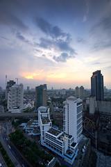 Le Meridien hotel, Jakarta (Fanni Ichwan) Tags: blue sky night buildings landscape cityscape wide jakarta tripoded