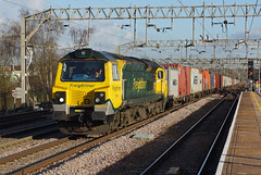 70016 Colchester Station (Gridboy56) Tags: uk railroad england train trains locomotive ge railways colchester felixstowe locomotives containers liner generalelectric freightliner railfreight class70 4m93 lawleyst