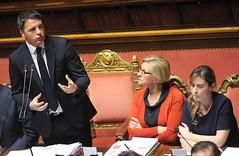 Il presidente Renzi e i ministri Pinotti e Boschi al Senato (Palazzochigi) Tags: palazzo senato consiglioeuropeo madama matteorenzi robertapinotti mariaelenaboschi