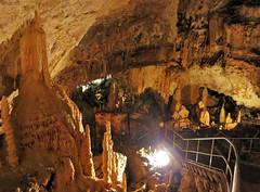 Grotte di Frasassi (www.turismo.marche.it) Tags: roccia montagna marche grotte grotta ancona grottedifrasassi frasassi genga escursionismo escursione stalattiti stalagmiti provinciadiancona goladifrasassi parconaturaledellagoladifrasassiedellarossa parconaturaleregionaledellagoladellarossaedifrasassi destinazionemarche