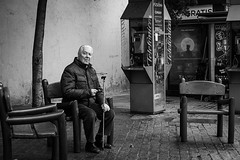 Madrid I Spain (Javier Zapatero) Tags: madrid street old portrait blackandwhite man classic photography blackwhite spain eyecontact fuji candid streetphotography elderly streetphoto classy urbanphotography candidportrait fotografiacallejera xt1 zapaphoto