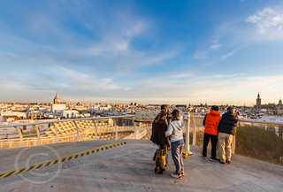 Seville Jan 2016 (5) 769  - Around and about the Metropol Parasol in Plaza de la Encarnacion at the other end of the day this time - waiting for the sunset