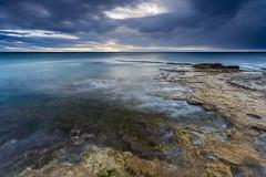 luces del amanecer. (Jose HL) Tags: sea espaa seascape valencia sunrise mar spain cabo mediterraneo paisaje alicante rocas cervera josehernandez cabocervera anamecer largaexposicindiurna
