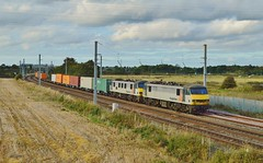 90044_90043_4M01_Winwick Junction_270914_01 (DS 90008) Tags: train track railway cargo container operations locomotive freight brb containers wagons logistics pantograph freightliner class90 coatbridge wcml railtransport electrictraction electricloco 90044 locohauled 90043 basfordhall 4m01 winwickjcn