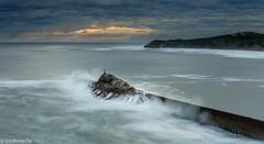 Cuando brama el mar - When the sea roars (IrreBerenT) Tags: longexposure sea nature landscape temporal cantabria rompeolas sanvicentedelabarquera roars marcantabrico irreberente