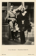 Marlene Dietrich and Clive Brook in Shanghai Express (1932) (Truus, Bob & Jan too!) Tags: cinema film fashion vintage movie star ross 1930s glamour postcard screen american hollywood sound actress movies actor drama mode melodrama paramount sonoro marlenedietrich acteur sonore filmstar tonfilm attore schauspieler schauspielerin attrice actrice darsteller shanghaiexpress darstellerin josefvonsternberg clivebrook rossverlag